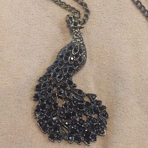 🖤 Jeweled peacock necklace